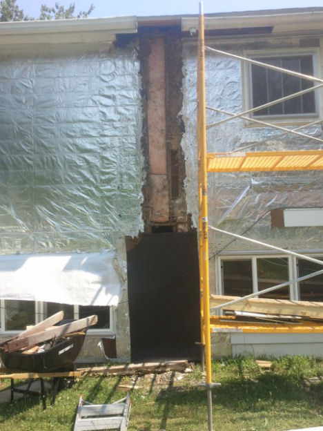 Sills, studs gone, joists rotted-2012-06-29-11.18.27.jpg