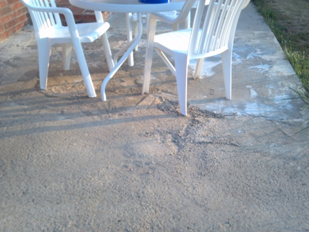 concrete patio-2012-07-06_07-00-41_957.jpg