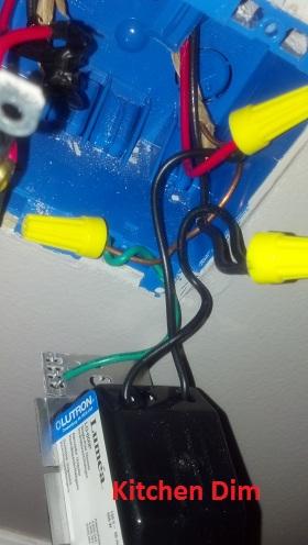 Strange Wiring Problem in my dining room.-2012-08-08_06-41-25_81.jpg