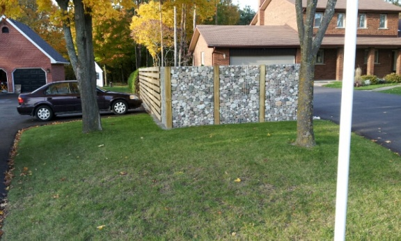 privacy fence-2012-10-16-19.06.43-1-.jpg