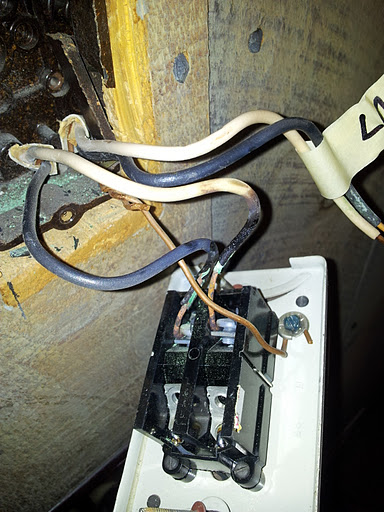 Question about replacing line voltage thermostat-20120110_221507.jpg