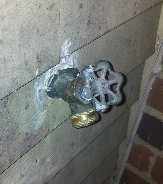 Outdoor spigot leaking, replace or fix?-20120313_203401.jpg