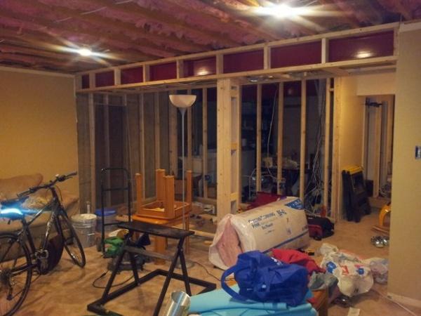 Tiling Basement On Concrete Slab Use Uncoupling Underlayment Or Not - Underlayment on concrete floor in basement