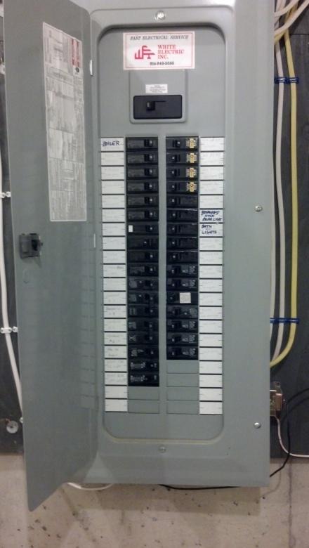 Need help finding interlock for Cutler Hammer panel-2013-01-31_20-50-35_205.jpg