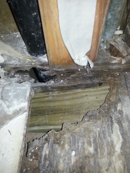 Rotted wood section under bathtub, what to do?-2013-02-14-12.19.44.jpg
