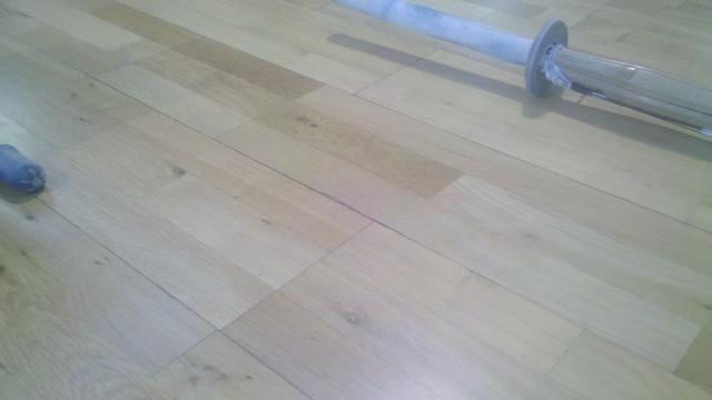 Laminate floor damage - repairable?-2013-02-25_19-51-21_227-resized.jpg