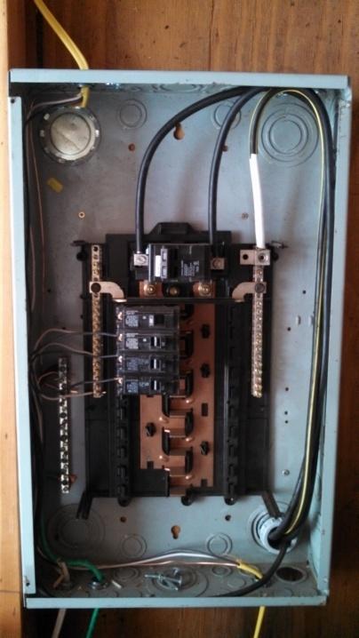 Missing bonding screw in panel-2013-04-09-16.01.36.jpg