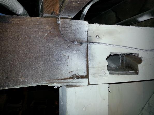 loading bearing posts won't survive earthquake?-2013-10-17-22.06.50.jpg