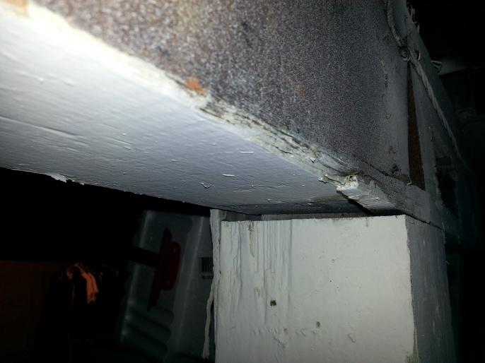 loading bearing posts won't survive earthquake?-2013-10-17-22.07.20.jpg