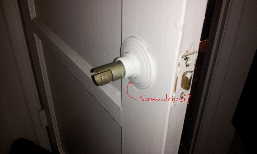 Cannot figure out how to remove door handle-20130211_100711.jpg