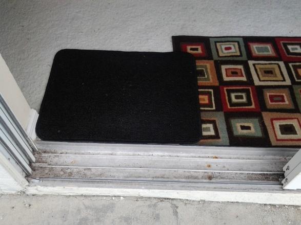 Bug mesh for 3 panel patio door-20130615_100229.jpg