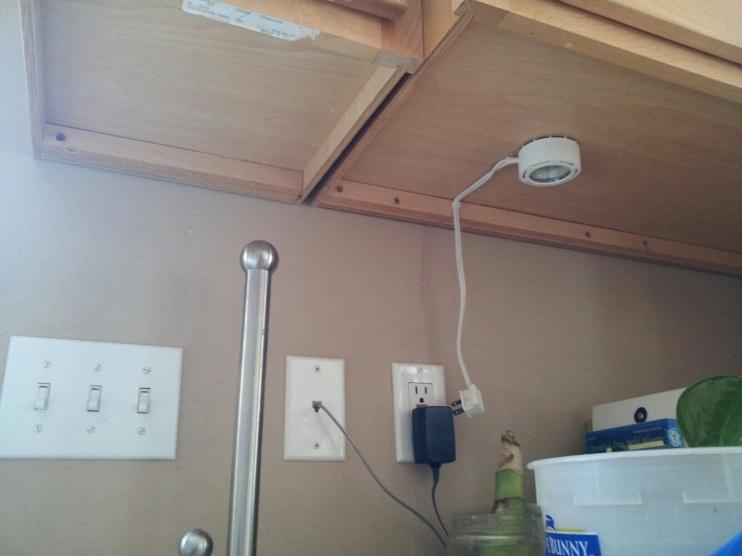 Correct way to retrofit under cabinet lighting?-20131124_124036_resized.jpg