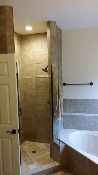 Placement of bathroom exhaust fan-20140918_182304.jpg