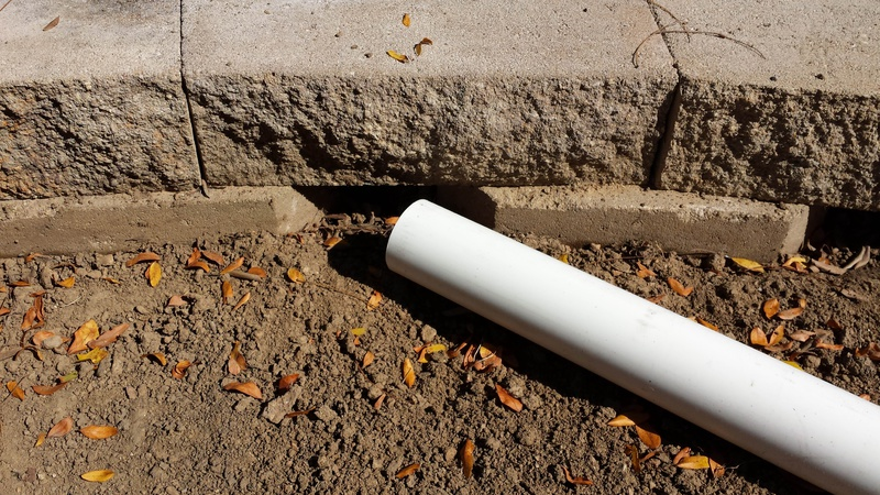 surface drainage above a retaining wall-2015-09-26-12.22.46.jpg