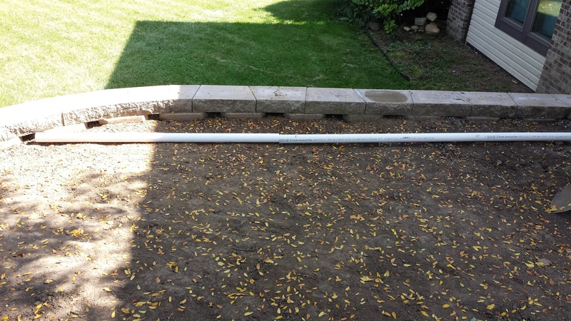 surface drainage above a retaining wall-2015-09-26-12.23.00.jpg
