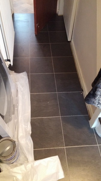 Laminate flooring, strange shaped room, where to place gaps-20151228_150643.jpg