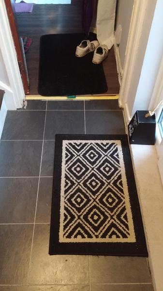 Laminate flooring, strange shaped room, where to place gaps-20151228_150653.jpg