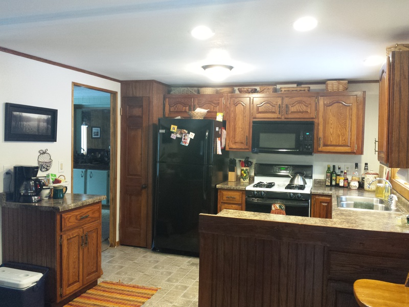 Finished mobile home kitchen-20160124_100955.jpg