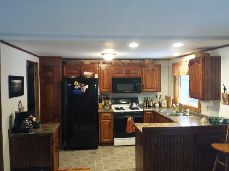 Finished mobile home kitchen-20160124_101009.jpg