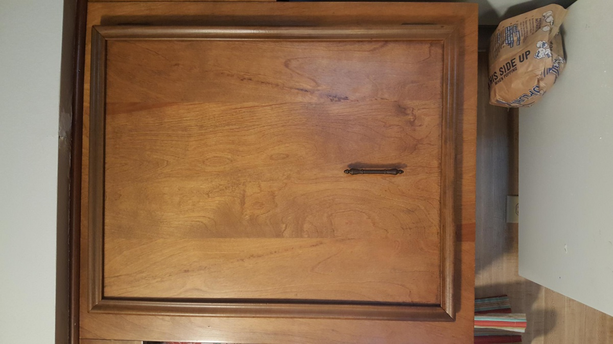 What type of wood is my cabinets?-20171122_071043_1511356853661.jpg
