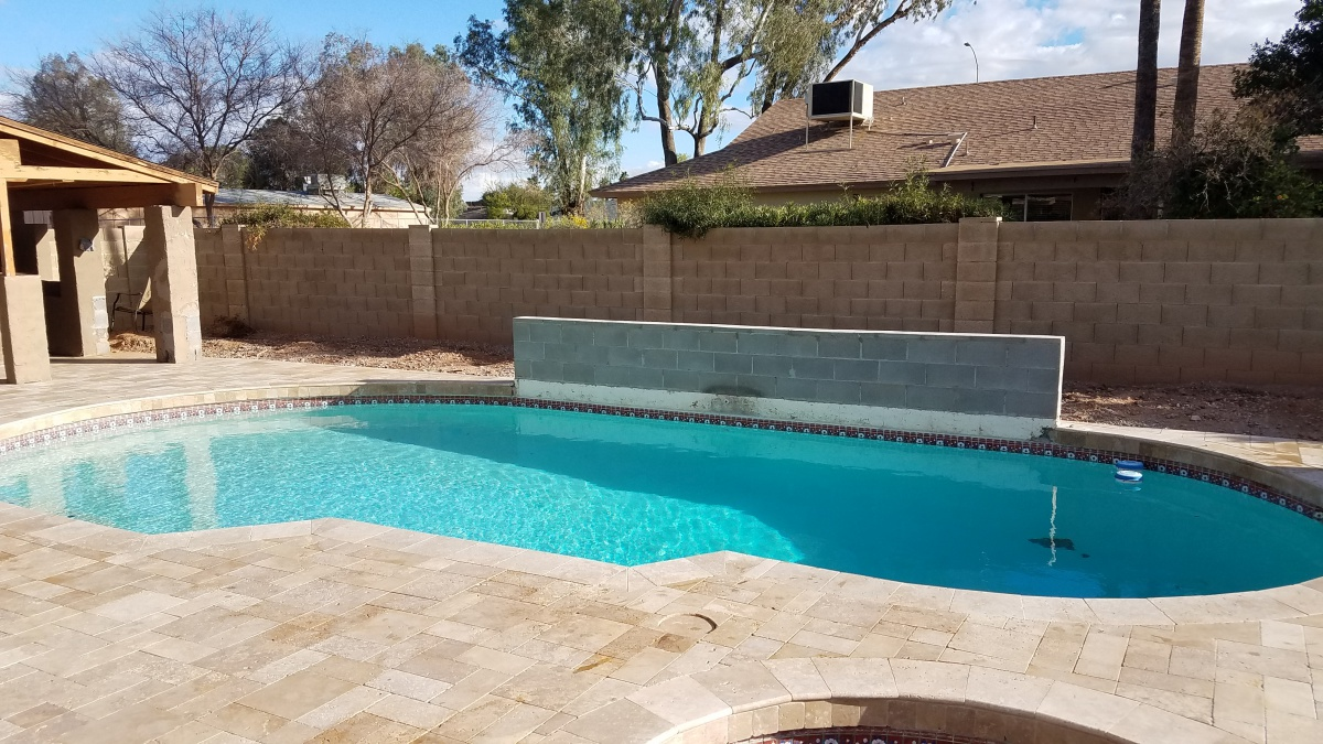 Help Please. Does this block wall on pool need rebar?-20180218_161956.jpg