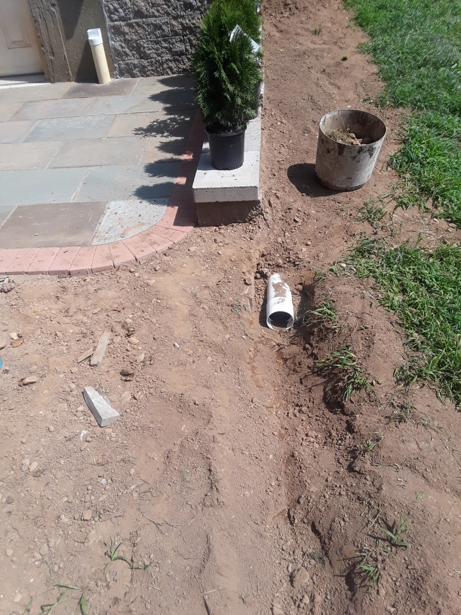 Best way to deal w/ these downspout drains?-20180828_130033.jpg