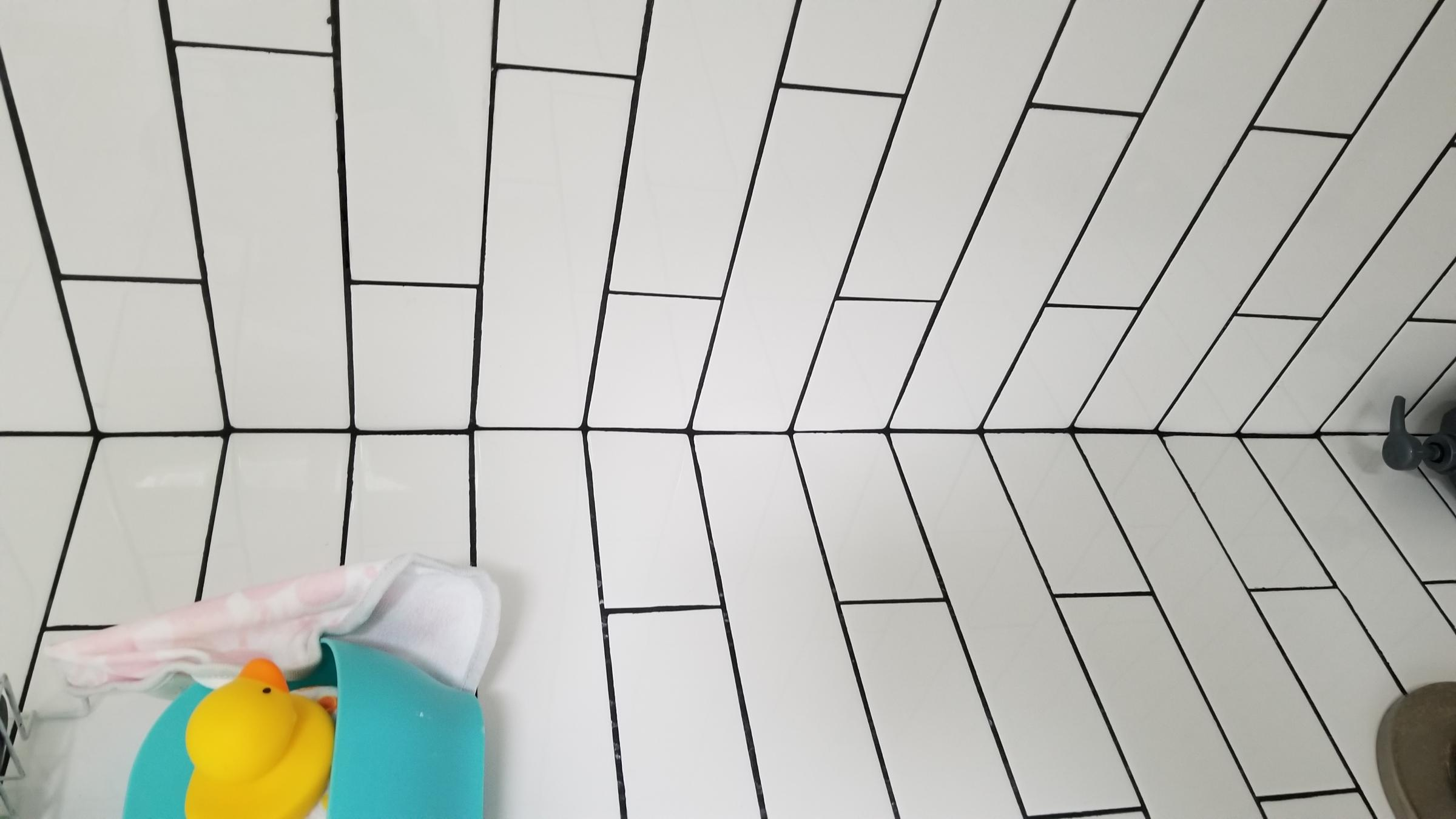 Bad tiling and grout job-20190813_150604_1565725587803.jpg
