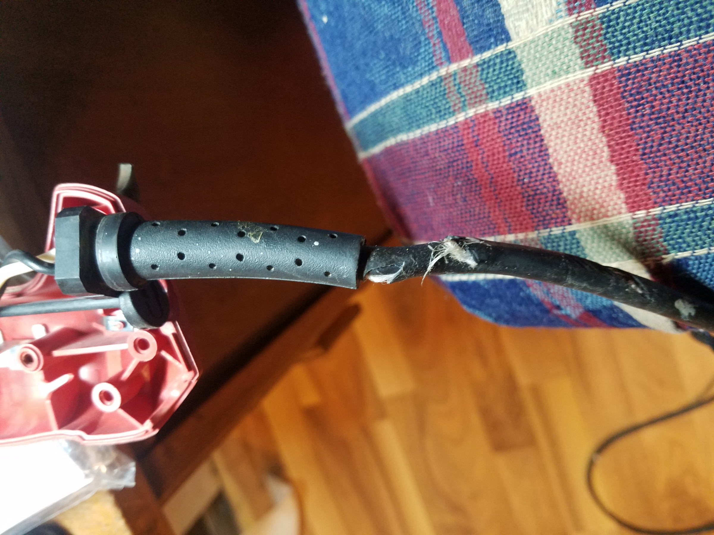 cord repair - how to disconnect wires-20191106_185820.jpg