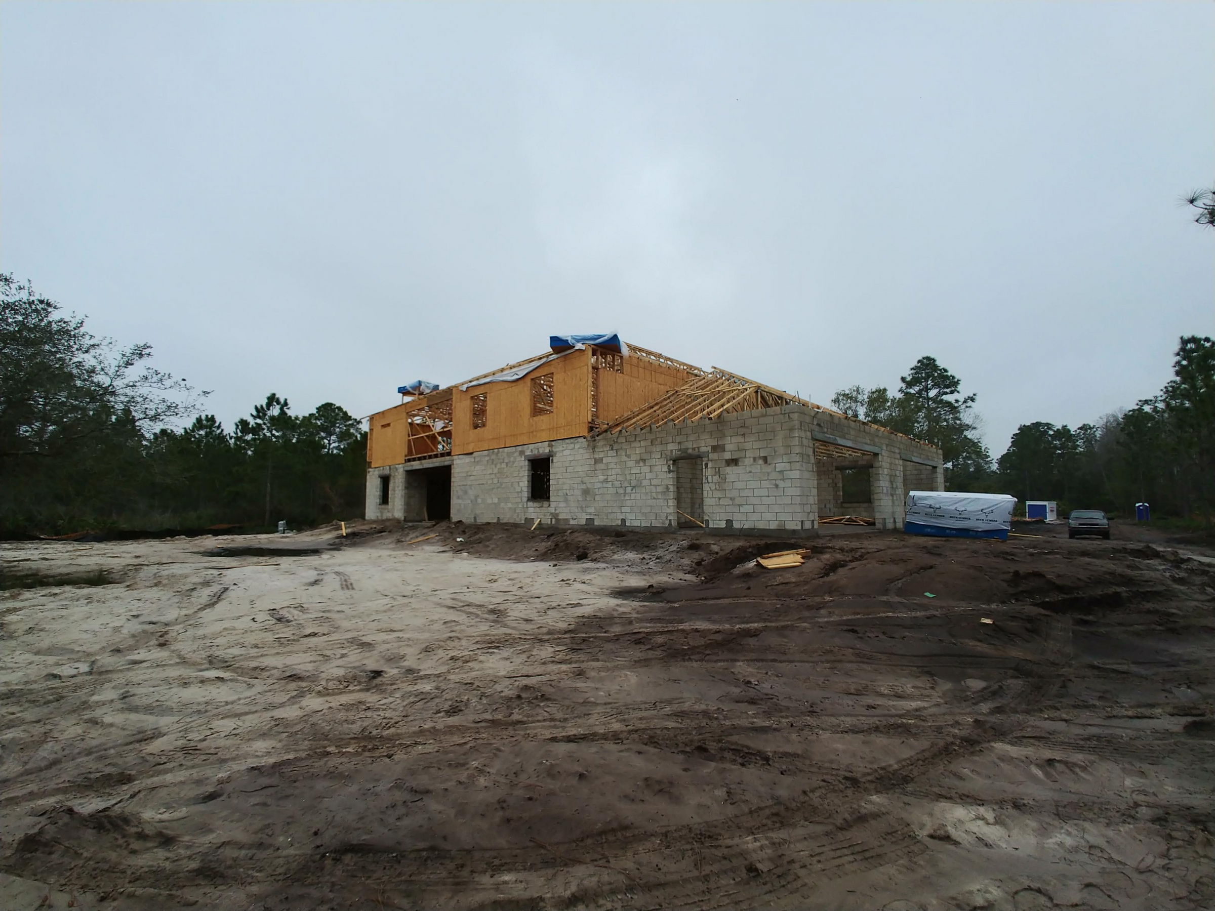 Second story stucco overhangs first story?-20191224_154416_1578008183792.jpg