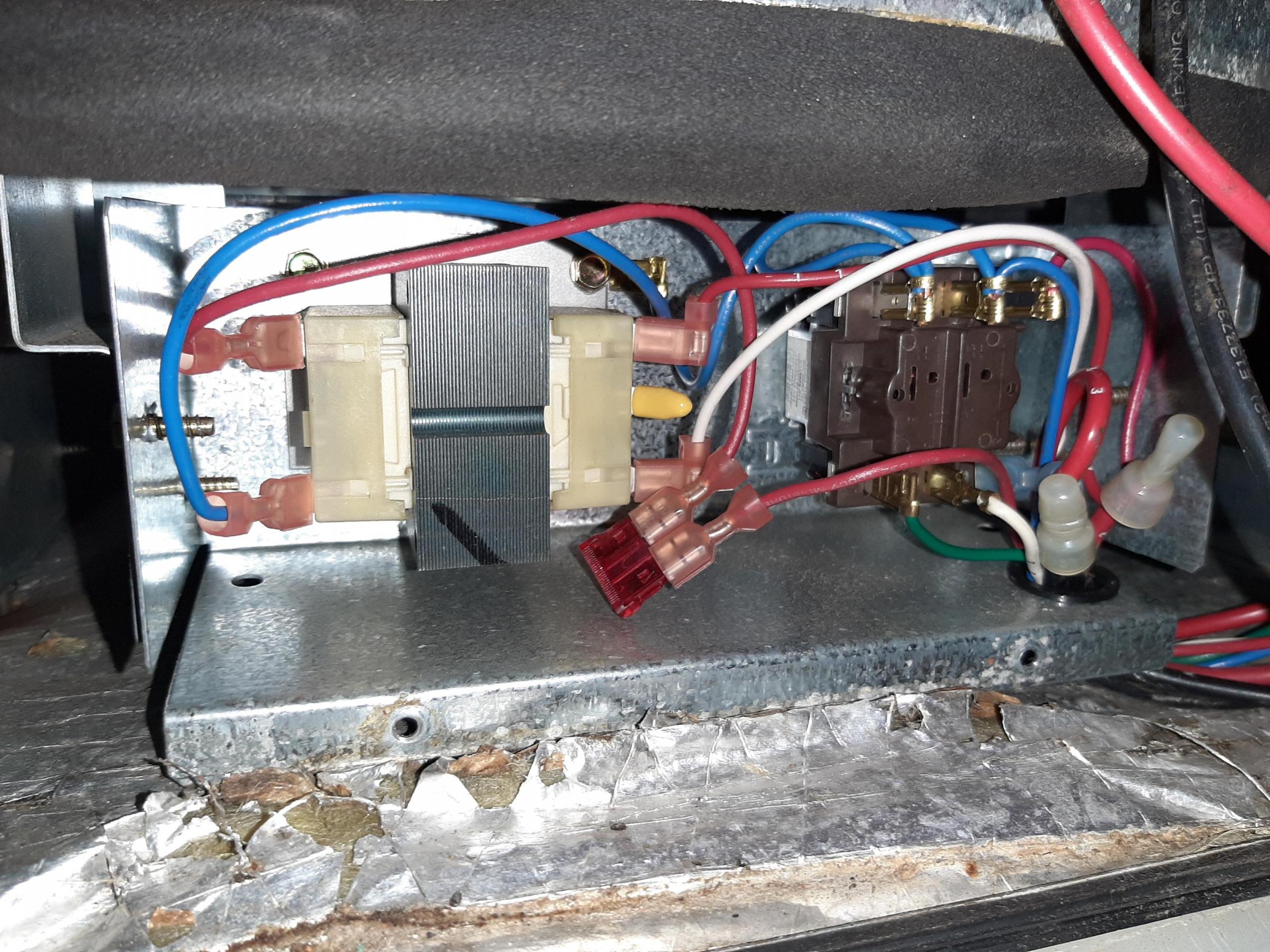 Need some blower motor wiring help-20200212_210108_1581560878132.jpg