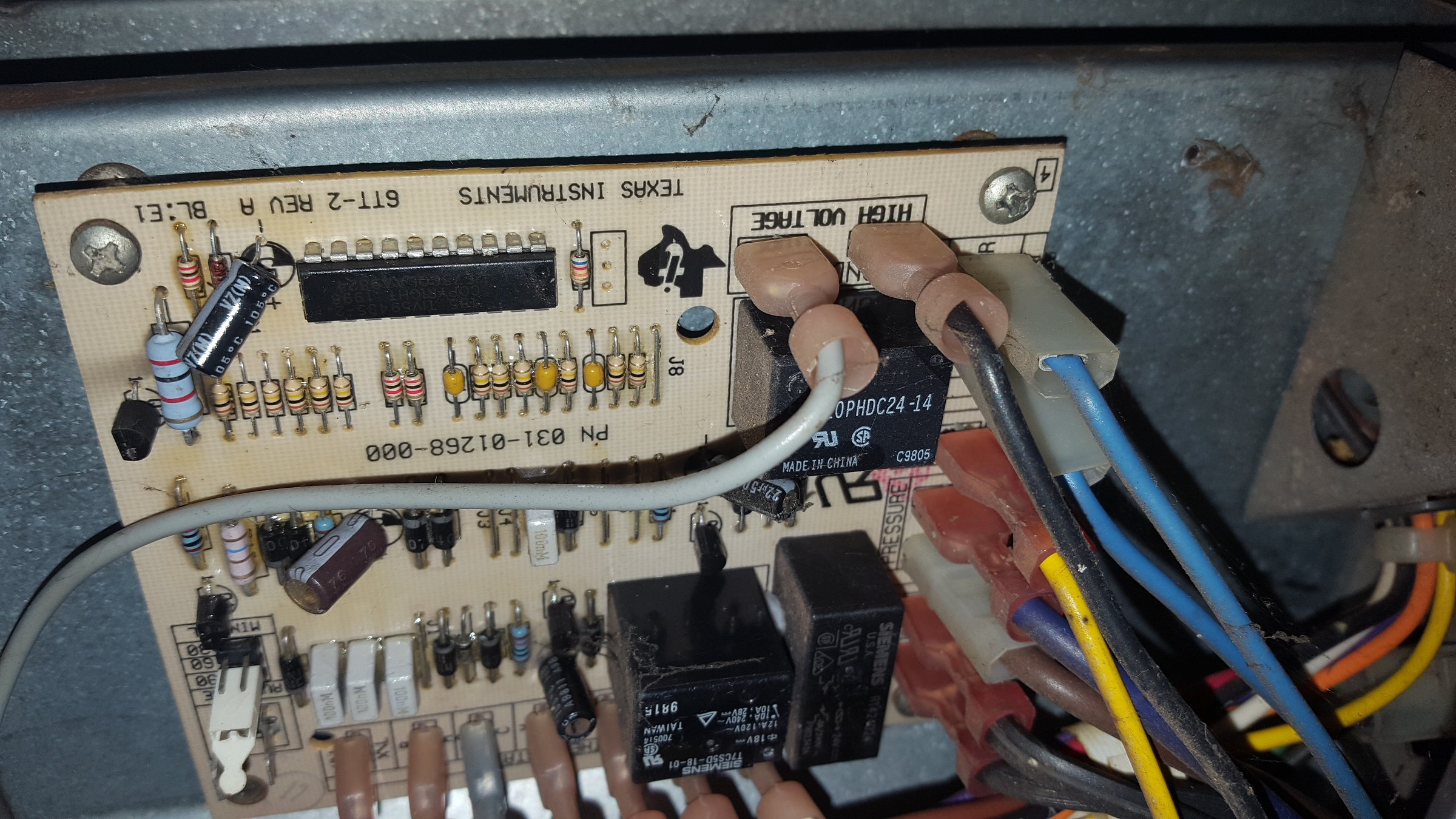 York HVAC blowing 5 amp fuse. Looking for some help please-20200309_185729.jpg