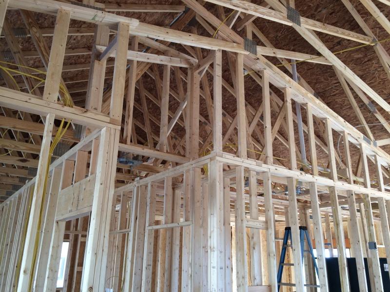 Spray foam over studs on attic wall-215.jpg