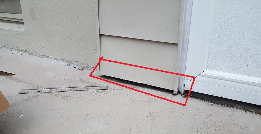 Self Leveling Siding : Seal crack in concrete covered by siding stone