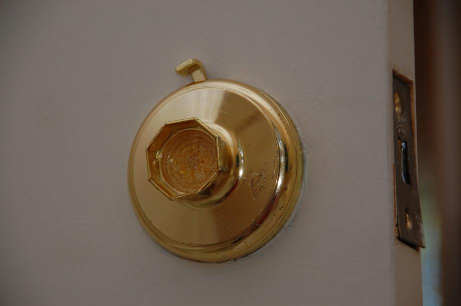 How To Remove Gainsborough Doorknob? - Carpentry - DIY Chatroom Home ...