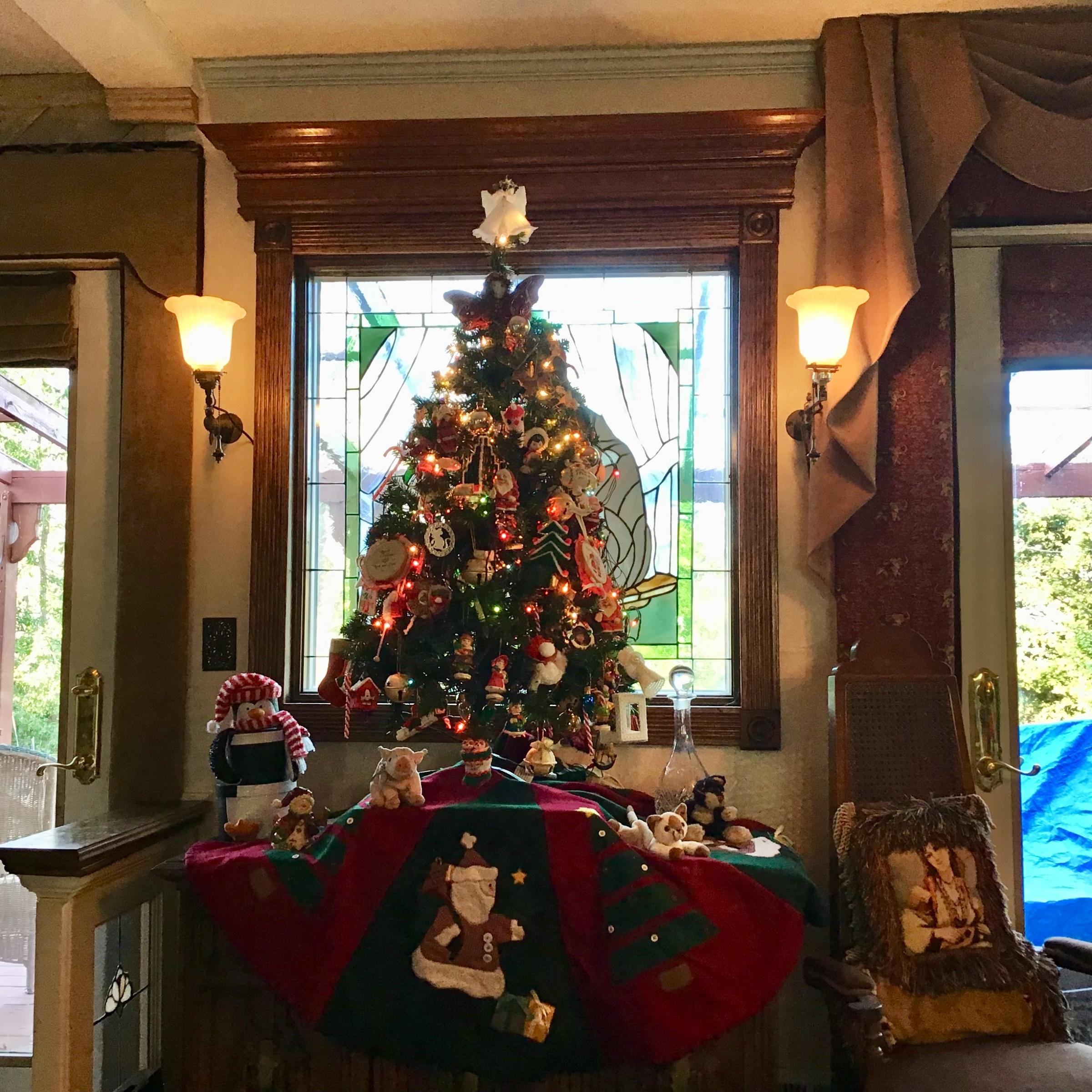 Show us your Christmas decorations!-2e676df5-de69-4598-ab04-0f4e534838bb.jpg