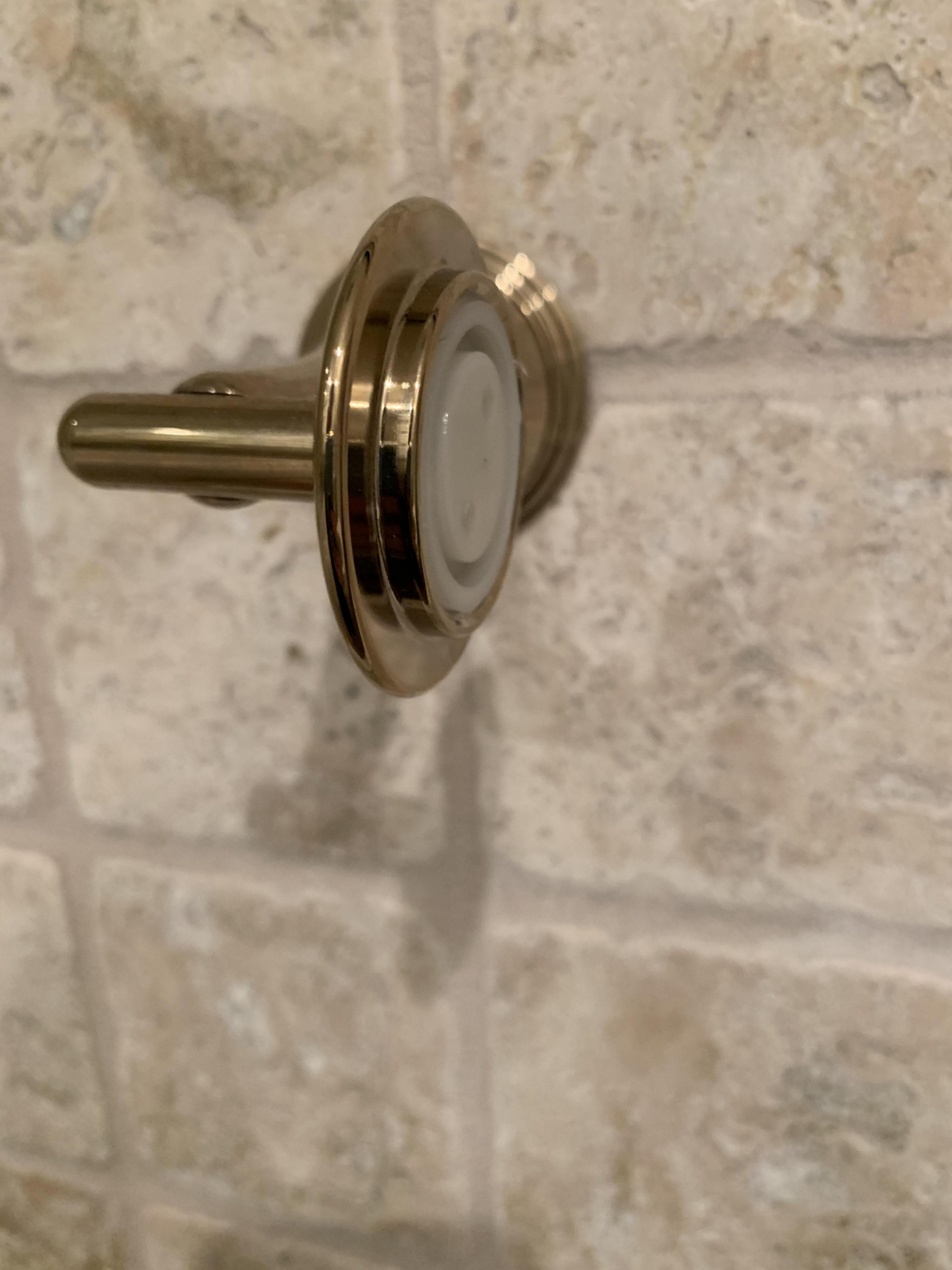 toilet paper holder without bar-2f950acb-479a-446b-978e-cdeb3d5fadc2_1542600212552.jpg