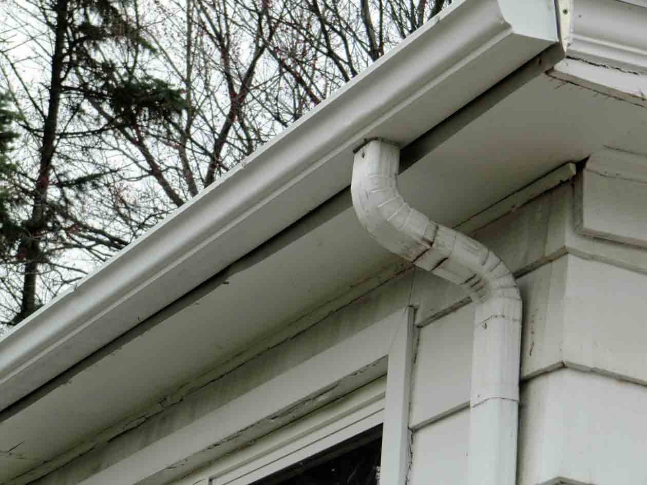 Flat Roof Ice Dam And More Problems Roofing Siding