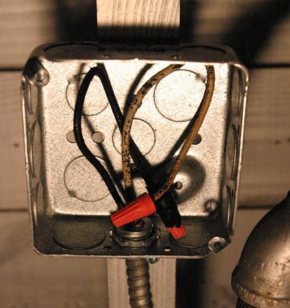 No neutral wire...-357581385_gn72h-m.jpg
