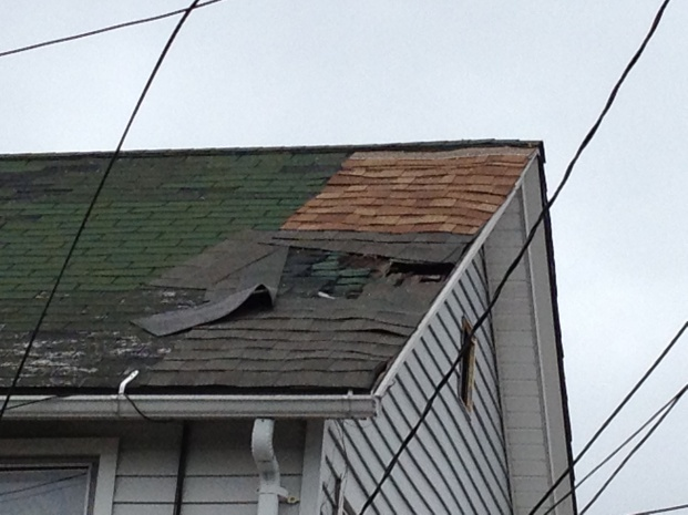 What can you tell from these roof damage photos?-3_12-209.jpg