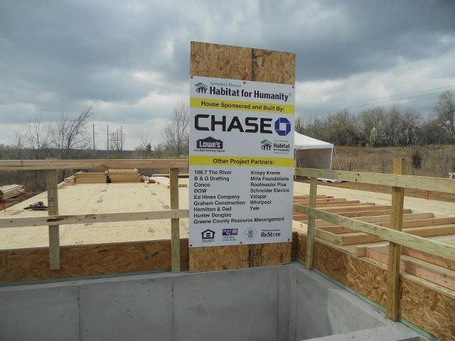 Roofing For Habitat-420568_298788390188235_164320613635014_742058_1759932356_n.jpg
