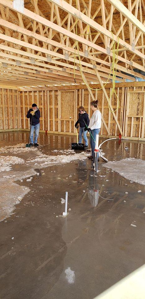 Our DIY home build. Margaskeeterville-49785012_10214576730585546_2726167063058972672_n.jpg
