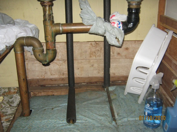 Water leaking through copper pipe.-49a-kit-pl-2010.jpg
