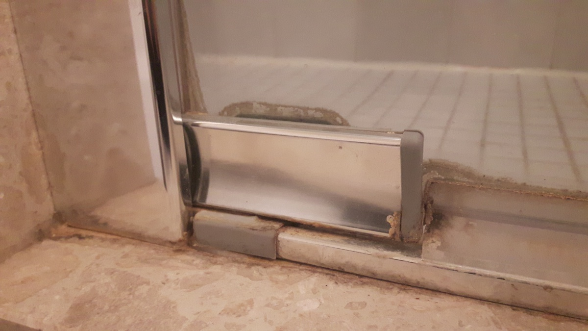 Shower Door Hits Toilet - What are the possible ways of repairing this problem?-5.jpg