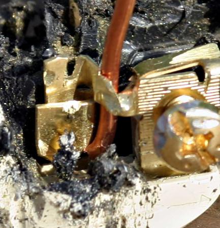 Stab in connectors on receptacles-521563156_xmwca-m.jpg