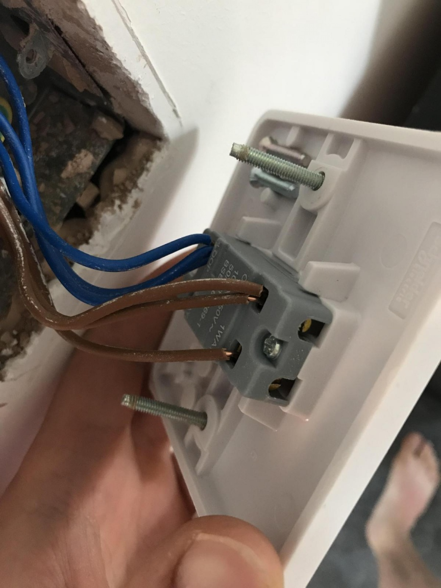 Wiring A Light Switch... Issues - Electrical - DIY ...