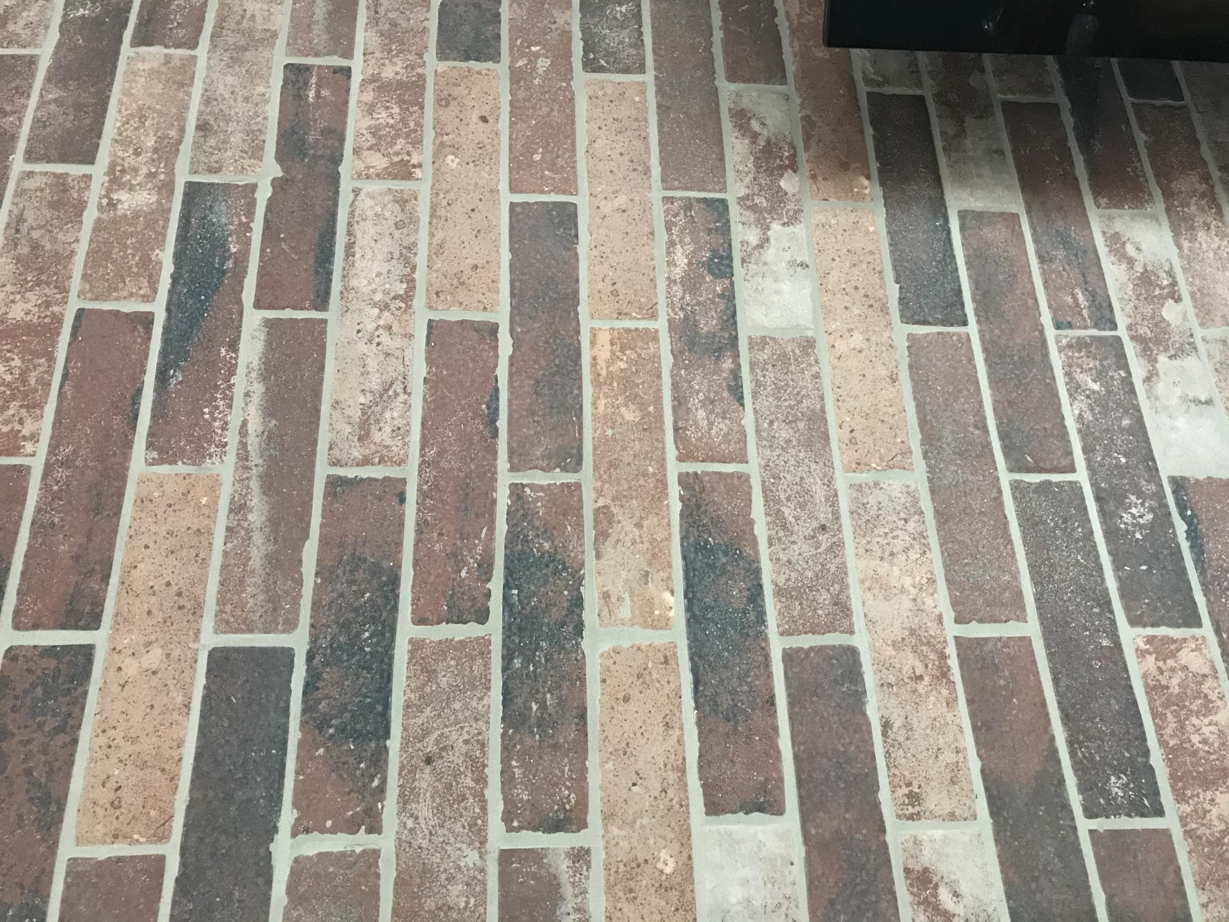 Brick tile on wall-5f4352f5-5d33-471b-a201-61ea4ef8aae1.jpg