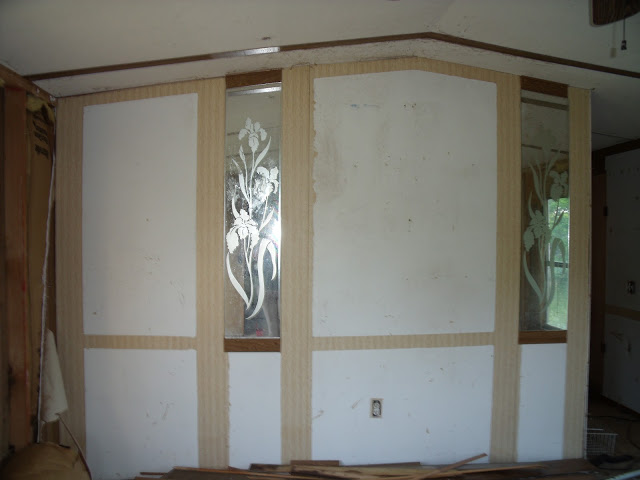 Complete Mobile Home Remodel-accent-wall-without-trim.jpg