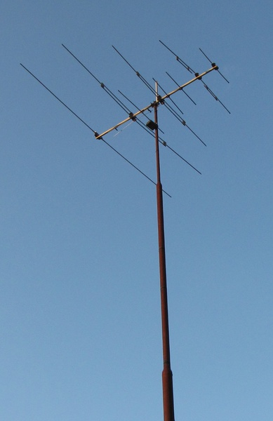 Mounting a tv antenna polemast in the ground general diy mounting a tv antenna polemast in the ground antena pole lll greentooth Gallery