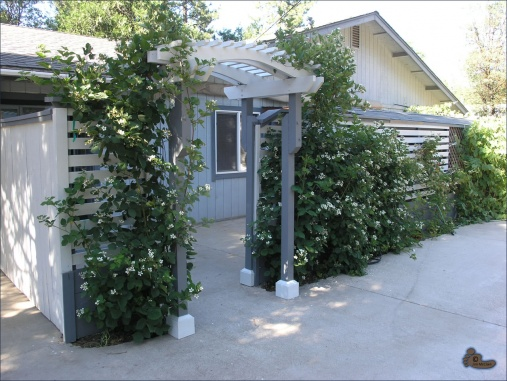 Quick & Easy Curb Appeal-arbors-fence21.jpg