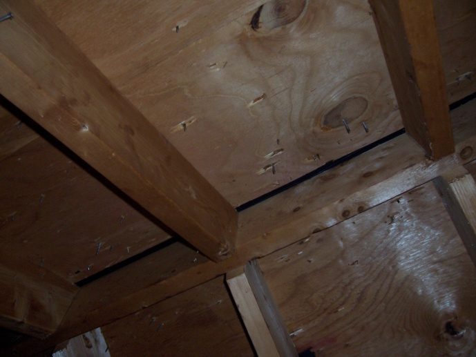 Ridge Vent installation on a hip roof-attictrusses-002.jpg